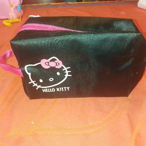 Toilettaske med Hello Kitty