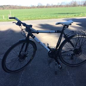Cararra cykel- unisex Fra 2012, men har bare stået i garagen- brugt max 5 gange