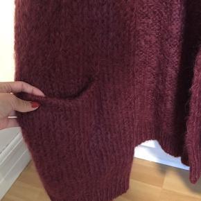 Mohair strik / cardigan fra H&M trend str s ( oversize) Sælges for 185kr plus porto