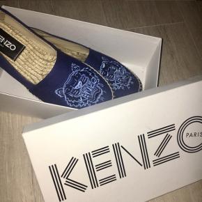 Sælger mine kenzo sko, som er så gode som nye! De er en str 38  -nærmest aldrig brugt, vil derfor gerne så tæt på ny pris som muligt  np 1150,-
