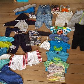 Stor Tøjpakke str 74.  Forskillige mærker som Molo, H&M, Melton, Hummel, ovs.  Tøjet er i flot stand,noget er Gmb,andet som nyt.  Sælges kun samlet.