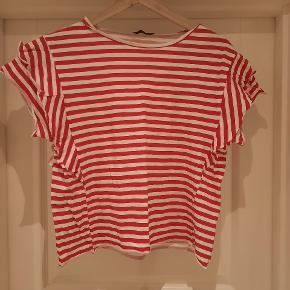 🌺🌺🌺 Stribet T-shirt fra Zara 🌺🌺🌺 Aldrig brugt, er kun vasket.