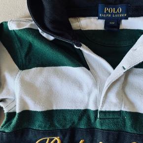 Smart trøje med hætte  Str 3 år  Grøn og hvid og sort