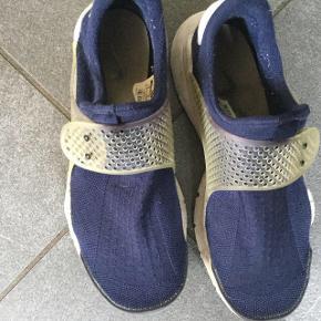 Nike Socks i pæn stand  Str 40  Indvendig længde ca 25