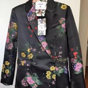 Blazer and pants 38 size new with tags