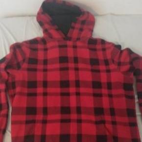 Sælger denne fede Ralph Laurent skovmans hoodie. Nypris ca 1200 kr. Har desværre ikke kvitteringen