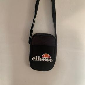 Ellesse anden accessory