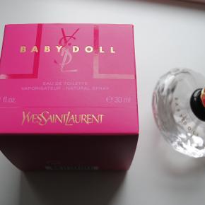 Yves Saint Laurent Baby Doll Eau De Toilette 30 ml. 80% tilbage tænker jeg. Dejlig let blomster duft.