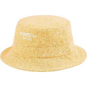 Supreme Hue & hat