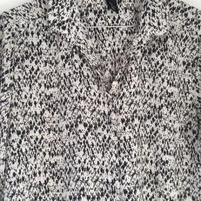Skjorte fra H&M str. 36 :-)