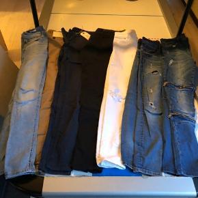 Sælger denne pakke med en masse fine bukser, nogen med huller og andre uden, alle passer ca drenge som er 170 høje og andre bukser passer lidt mindre😁
