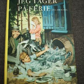 Spændende børnebog fra 1963. I meget fin stand. Fra røgfrit hjem.