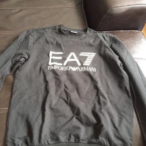 Ea7 Armani Sweater købt i Quint til 700  Er villig til måske at gå ned i pris