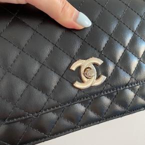 FALSK Chanel taske.