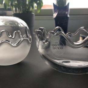 Fine Holmegaard skåle. Lille skål med over og underskål- er blevet brugt som lysestager. Stor overskål brugt til snacks og underskålen er desværre gået i stykker. Kom med bud