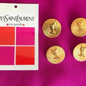 4 stk Yves Saint Laurent  guld logo knapper.