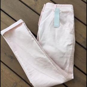 Lækre bukser fra pure Copenhagen i str small. Nye med prismærke
