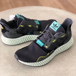 Sælger disse Adidas futurecraft ZX 4000 4D i str. 44 2/3/ US10.5/ UK10  DSWT Kvittering haves  Køb nu 2500,-  Kan afhentes på Amagerbro eller sendes med T&T for 39,-