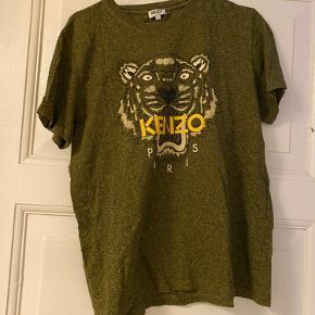 Kenzo t-shirt i str. L, passer en S/M.