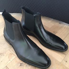 Lækre kvalitetsstøvler  Ægte læder Brugt 1 gang  Nypris 1480
