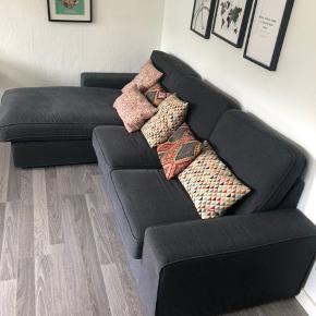 Stor sofa med chaiselong🛋  MÅL: 85cm høj 280cm Lang 90cm dyb Chaiselong 160cm dyb