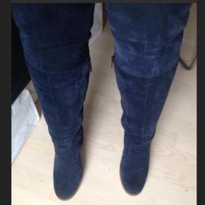 Ganni overknee støvler. 10 cm hæl og naturgummi sål. Str 39 meget behagelige at have på