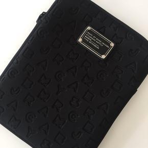 Super lækkert hylster til en iPad fra Marc Jacobs ny pris 450kr