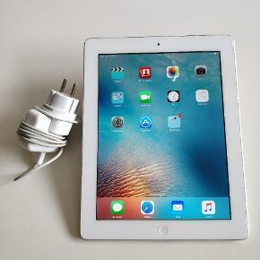 Apple 3rd Generation IPad (2012). Har lidt ridser og skrammer rundt omkring. Alting fungere som det skal.