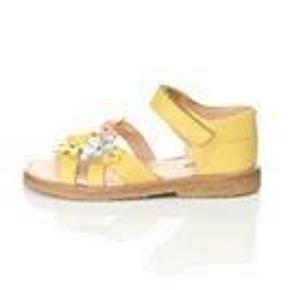 Varetype: SandalerFarve: Gul Oprindelig købspris: 700 kr.  Søde sandaler fra Angulus, som ikke er brugt, da de blev købt på bud, men ikke passede, da de skulle. Prisen er fast og er den pris, jeg har givet. Kasse og faktura medfølger.