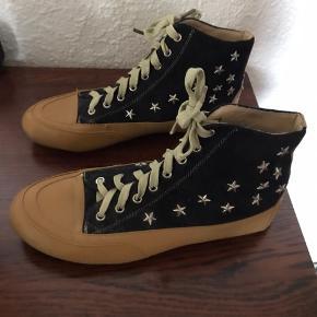Fede sko  Brand S.Angel Meget lille slid på højre snude se billeder Ellers i super flot stand