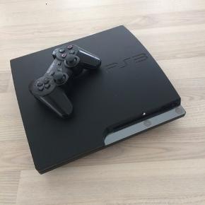 PS3 - Brugt meget få gange, virker som den skal og ingen mærker. Spil høre med til. Er til at forhandle med ved hurtig handel.