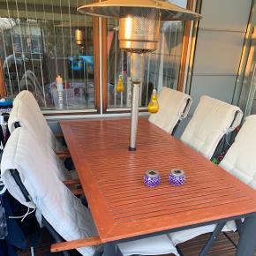 Sælger dette skønne Havebords sæt med 6 stole med hynder sættet er plejet og passet det er 10 år på bagen LOUNGE ELEMENT. Fejler absolut intet