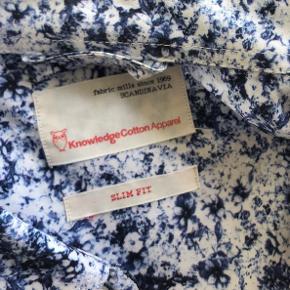 Brugt få gange. Pris fra ny 800kr. Prisen er eks fragt.   Køb alle tre knowlegede cotton apparel for 550kr inkl. Fragt.