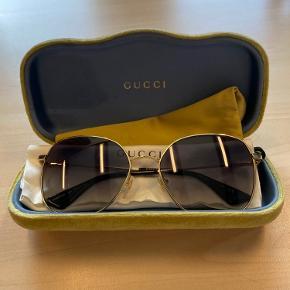 Fedeste gucci briller. Brugt få gange, rigtig god stand💖 BYD