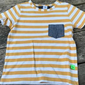 Varetype: Lækker Bluse Farve: Gul/grå  Lækker stribet bluse fra Molo.