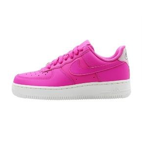 Nike air force 1 pink, str 36. Aldrig brugt.