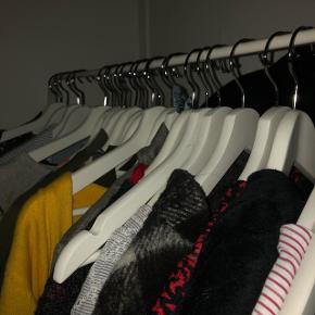 27 stk. tøjbøjler sælges