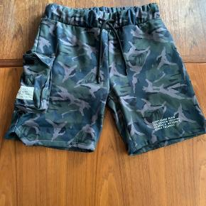 E Avantgarde shorts