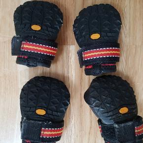 Ruffwear Grip Trex sko til hund. Har aldrig været brugt. Str. Xx-small. Sælges til halv pris