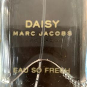 "Daisy ""EAU SO FRESH "" 125 ml"