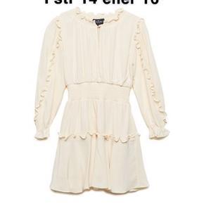 SØGER! dennne little remix kjole Plzz skriv til mig, hvis i vil sælge den eller kender nogen der vil❤️