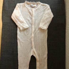 Den dejligste natdragt fra Joha i uld/silke.15% silke og 85 % merinould   Pæn stand og kun vasket i uldvask.