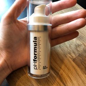 PH Formula ACNE recovery. 30 ml. Kun et pump brugt. Passer desværre ikk til min hud.