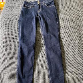 Lee bukser