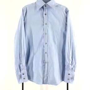 Gucci skjorte Str 40/15¾ - fitter L Cond 9 Mp 699 Bin 1199