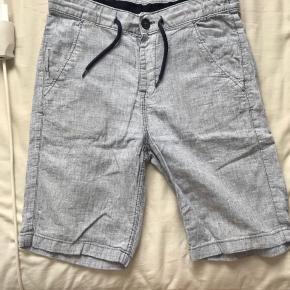 Fine shorts fra H&M Prisen er fast inkluderet fragt med dao