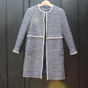 Stilfuld lang blazer fra Zara