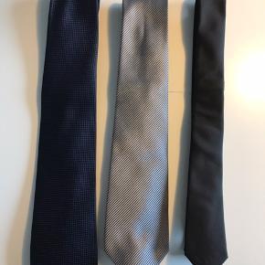 3 stk slips. Sort slips er fra Cedar Wood State Grå slips er fra Jack's Blå slips har ikke mærke.