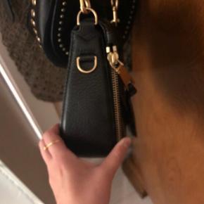 Sælger denne Marc Jacobs taske - skriv gerne for flere billeder. Kvittering haves desværre ikke længere