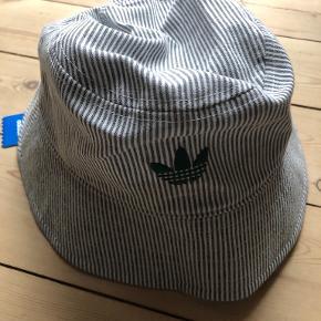 Adidas Originals hue & hat